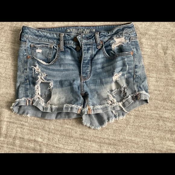 Tomgirl American Eagle shorts